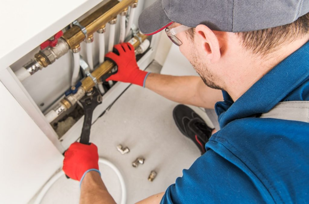 How to start plumbing business: step-by-step guide 2022